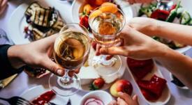 El maridaje: consejos para combinar comida y bebida