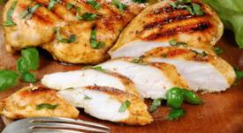 ¿Por qué debemos cocinar completamente el pollo?