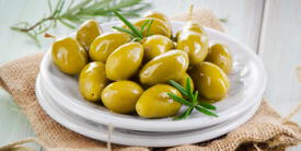 ¿Cómo se hacen comestibles las aceitunas verdes?