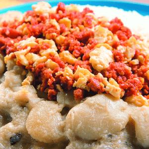 Pallares con salchicha de Huacho, un combo contundente