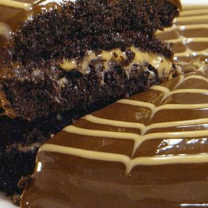 Torta de chocolate con manjar blanco (VIDEO)
