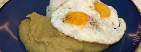 Arverjita partida con huevo frito (VIDEO)