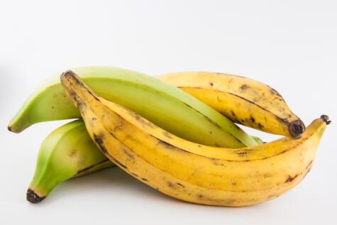 Plátano bellaco: verde y maduro.