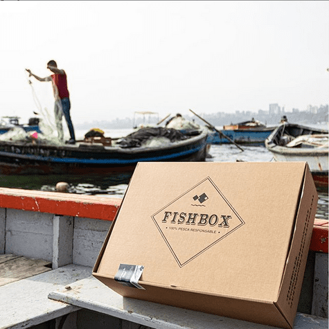 Fishbox realiza entregas en casa de productos marinos sustentables.