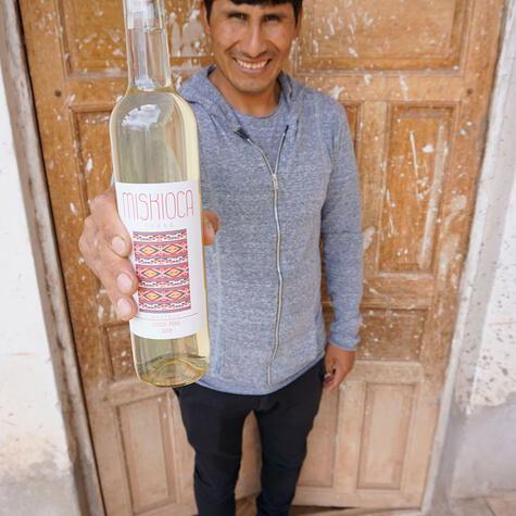 Además de vinos blancos, rosé y tintos, Manuel también está desarrollando un destilado de oca.