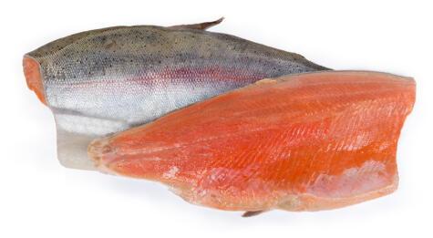 La trucha es un pescado que aguanta muy bien el proceso de congelamiento. La piel, además, ayuda a proteger la carne.