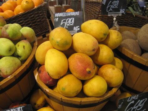 El Haden es un mango mediano, del cual se han desarrollado otras variedades, como Edward y Kent.