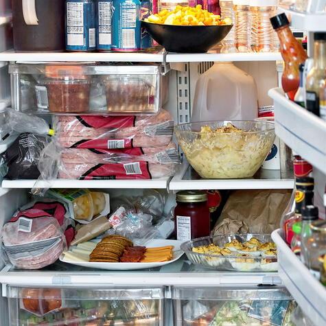 La refrigeradora no es un repositorio sin orden ni concierto. Cada alimento tiene un lugar.