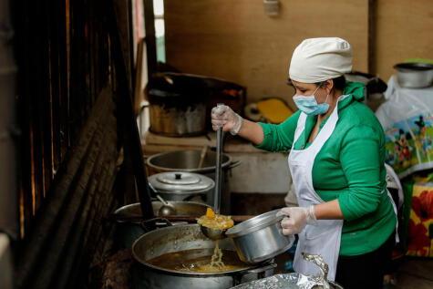 Foto: Antonio Melgarejo. Las ollas comunes también son una expresión social en tiempos difíciles como los actuales, debido a la pandemia.
