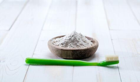 Aplica bicarbonato en los lugares con malos olores y los desaparecerá.