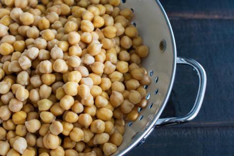 Las legumbres se cocinan mejor con un poquito de bicarbonato.