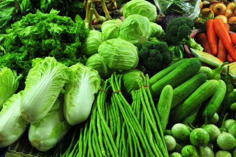 Muchas verduras verdes ganan intensidad de color con la ayuda del bicarbonato.