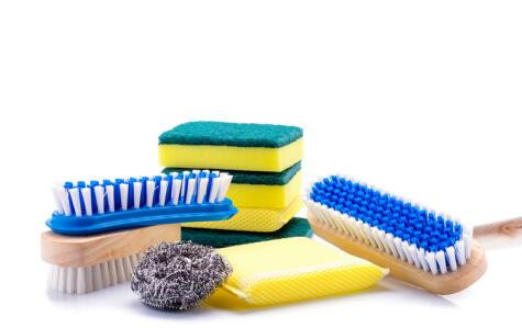 Cada esponja, estropajo o cepillo cumple una función. Úsalos correctamente.