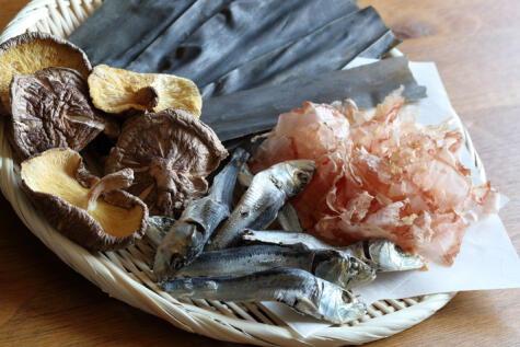 En la cultura japonesa hay muchos productos ricos en glutamato, como el pescado seco y el hongo shitake; el secreto del sabor.