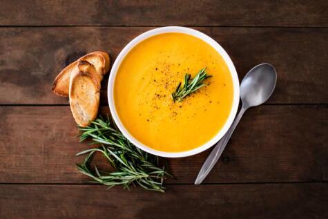 Crema de zanahoria: ¿muy distinta a las que usamos para acompañar nuestro pollito a la brasa?