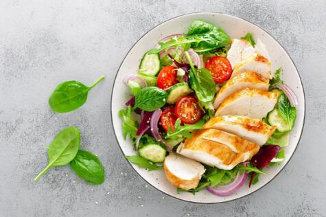 El pollo es una fuente saludable de nutrientes. No hay que satanizarlo.