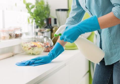 La higiene es clave. Hay que lavar bien pero también desinfectar, con una mezcla de cloro y agua.