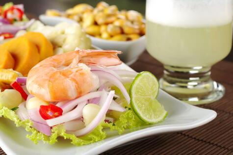 El limón sutil no solo lo usamos en el ceviche, también es la base de nuestro coctel bandera y de buena parte de nuestra gastronomía.