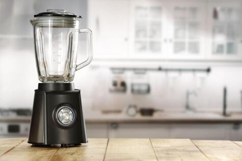 Aunque se le ha satanizado para hacer cocteles, la licuadora, bien usada, sirve muy bien para el pisco sour.