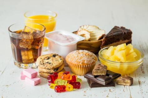 El azúcar añadida, escondida en los productos procesados, es el gran enemigo de la salud mundial.