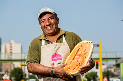 En su chacra en Asia, Francisco cultiva higos y otros frutos, como la sandía roja y amarilla.