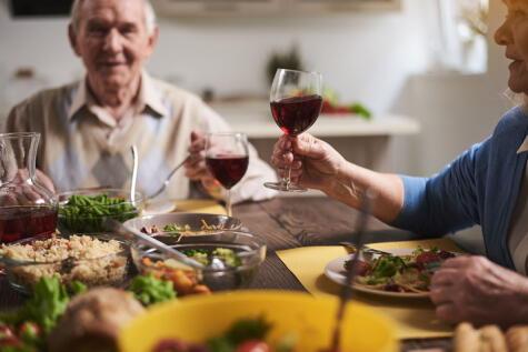Los polifenoles del vino son antioxidantes: se dice que retardan el envejecimiento.