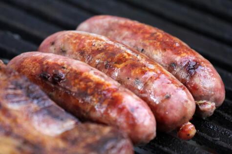 La carne molida de cerdo debe cocinarse más que los cortes.