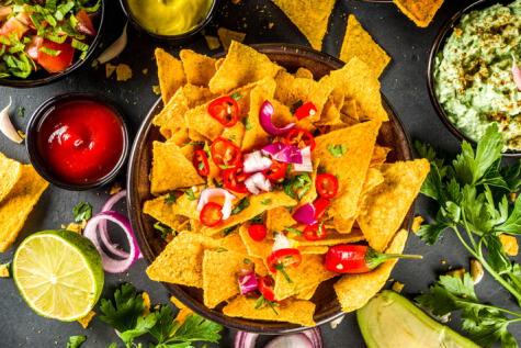 Los nachos son la expresión de la cocina mexicana en Texas: la cocina Texmex. En México se llaman totopos.