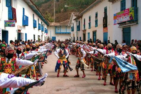 En muchas fiestas andinas el cañazo es una bebida infaltable.