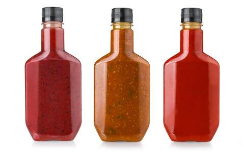 Hoy en día hay decenas de de versiones de esta salsa: más dulce, más picante, etc.