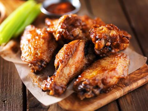 Por algo las alitas son un plato que apasiona a multitudes porque tienen sabor intenso.