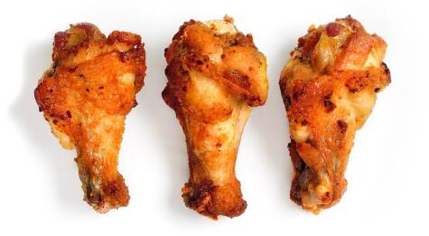 Los muslitos tienen más carne que la parte media y a veces conviene cocinarlos por separado.