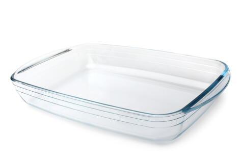Las bandejas de vidrio refractario son más resistentes a los cambios de temperatura repentinos que el vidrio común.