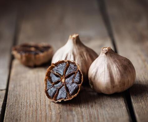 El ajo negro es un alimento rico en antioxidantes, aunque no hay que esperar milagros.