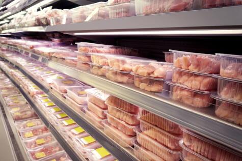 Los pollos de avícolas o supermercados tienen fecha de vencimiento.