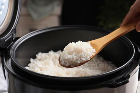 Infaltable en el recetario peruano, el arroz blanco da sensación de saciedad.