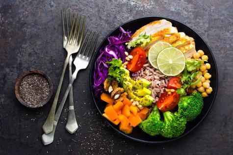 Acompáñalo con otras verduras, granos y carnes para tener una dieta balanceada.