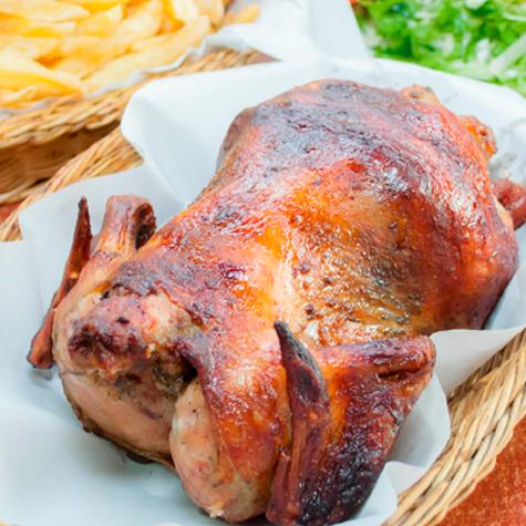 El pellejo y el jugo del pollo son los que contienen mayor cantidad de grasa.