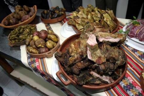 Pachamanca con carne de alpaca. Foto: Andina (difusión)