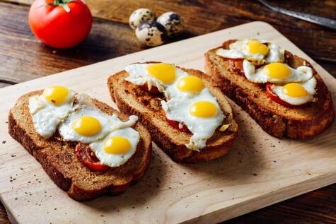 Sabrosos y versátiles: los huevos de codorniz también se pueden freír.