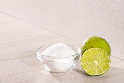 Bicarbonato de sodio: el mejor amigo de tu cocina, es un leudante químico.