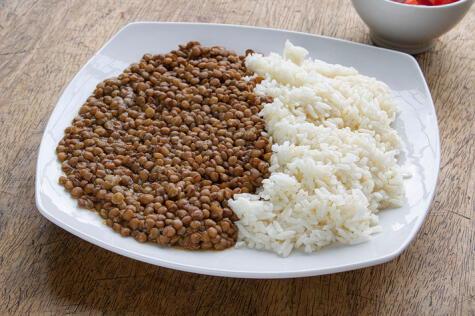 Se ve simple, hasta humilde, pero este plato está cargado de energía y nutrientes saludables.