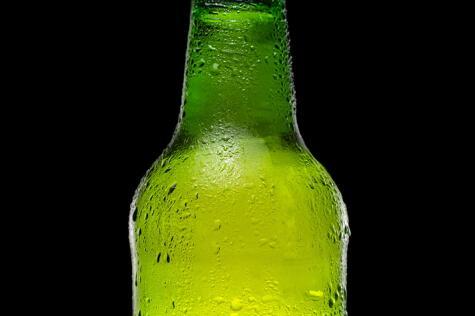 Después del deporte, mantén tu consumo de cerveza a dos botellas pequeñas o una grande.