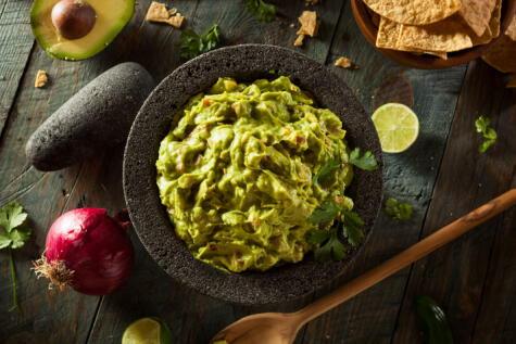 El guacamole se traduce como salsa de aguacate.