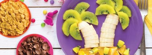 Ensalada de frutas en forma de palmeras