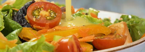 4 vinagretas para ensaladas (VIDEO)